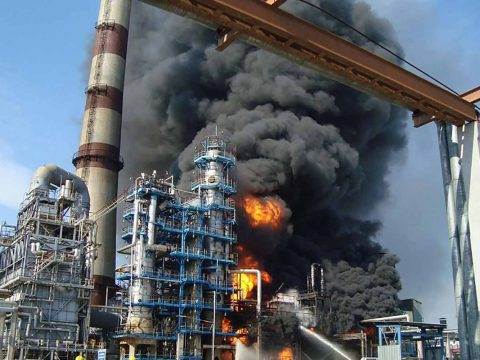 Refinery fires: Firefighting strategies and tactics